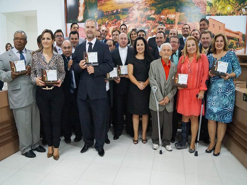 HEMANAGENS MARCAM SESS�O SOLENE DOS 130 ANOS DE CAMBORI�